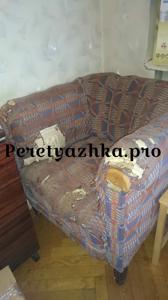 мягкое кресло до реставрации и перетяжки