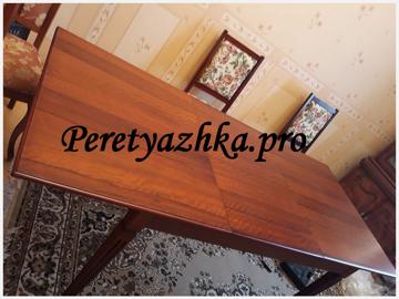 деревянный стол после реставрации